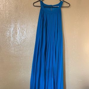 Sleeveless, high-low, key hole back dress
